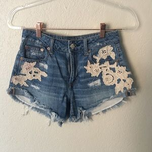 American eagle floral high rise jean shorts size 0